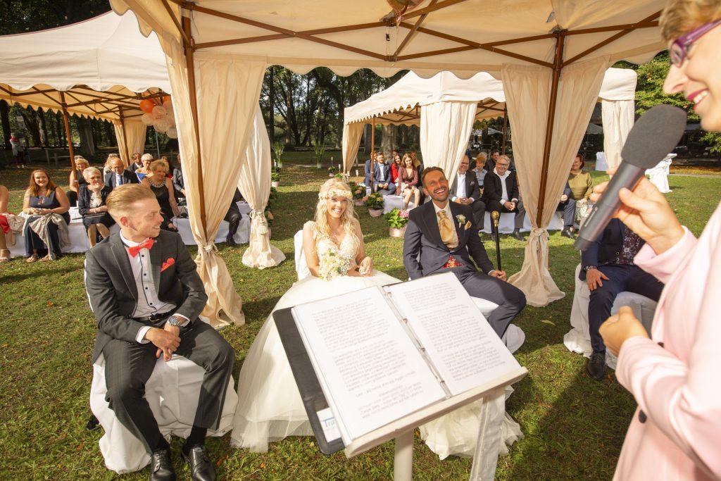 Foto freie Trauung in Blogartikel Hochzeit verschieben wegen Corona
