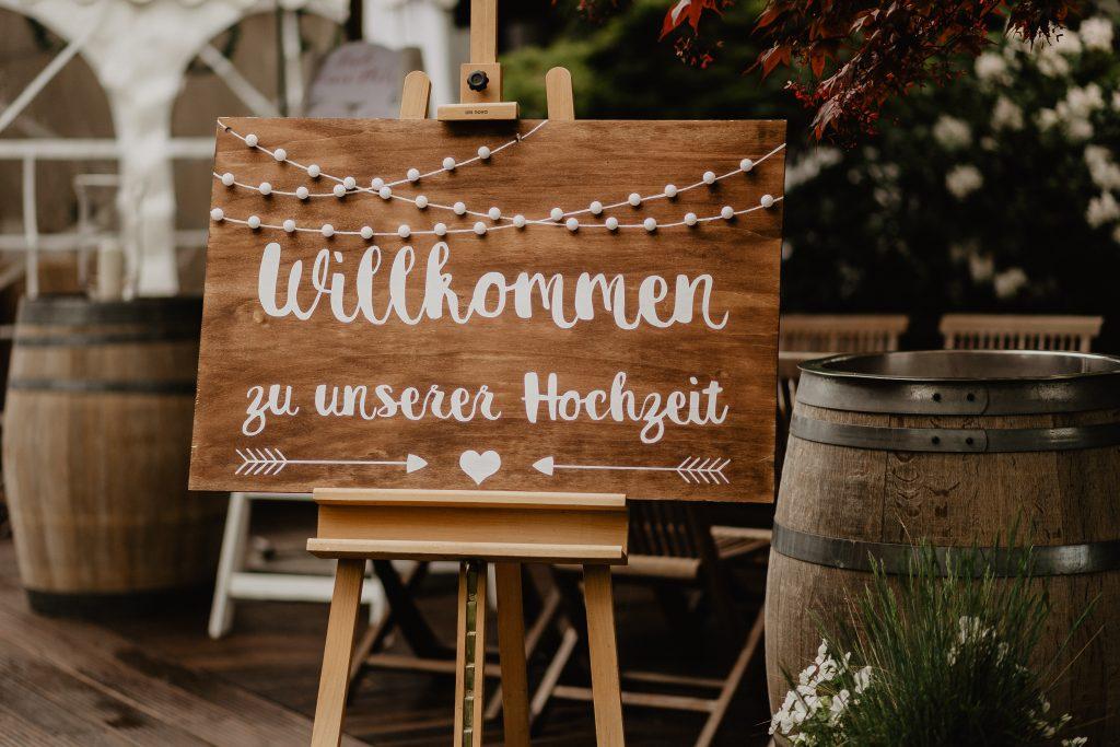 Foto Hochzeitsschild Blogbeitrag Heiraten in Corona-Zeiten