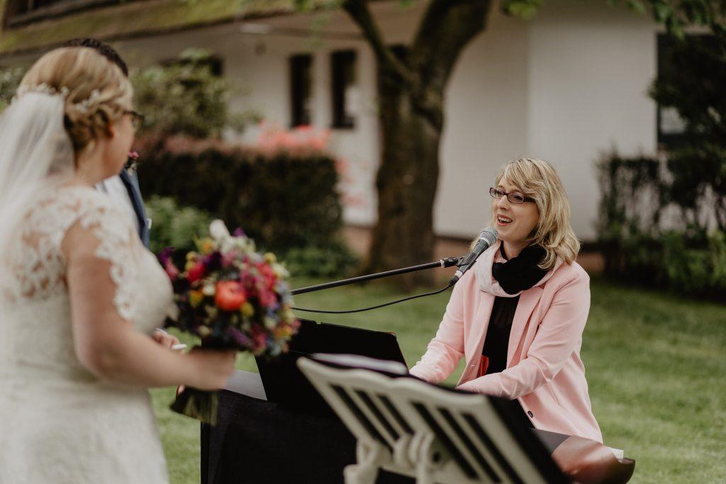 Foto Birte Gäbel am Klavier - Hochzeitssaison 2019