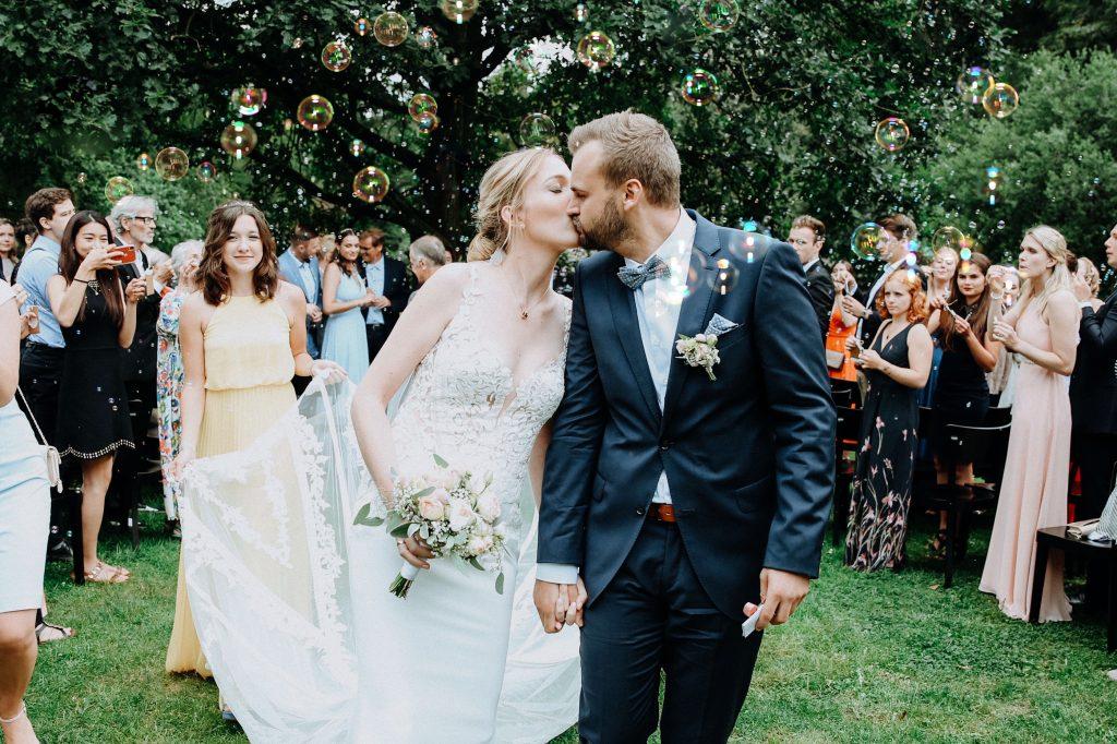 Foto Brautpaar Blogartikel Hochzeitstrends 2020