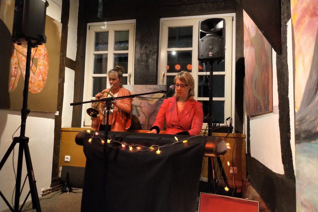 Foto Birte Gäbel und Sue Sheehan - Konzertrückblick Bürherhus Hameln