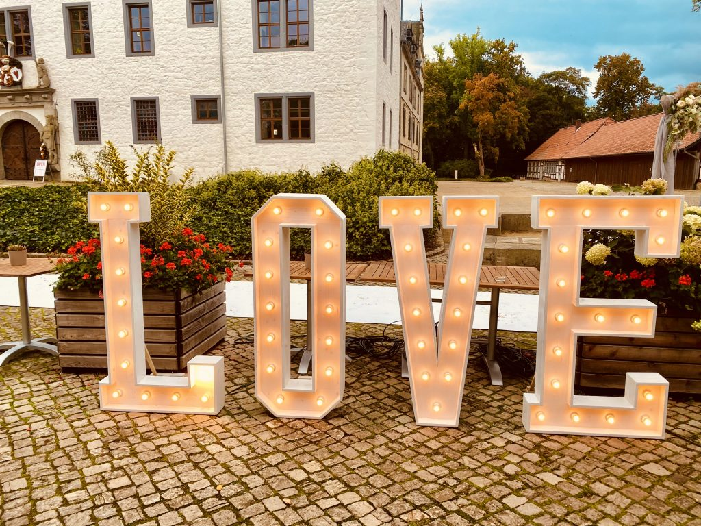 Foto LOVE - Hochzeitsplanung trotz Corona